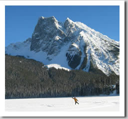 Crosscountry Skiing at Emerald Lake in Yoho National Park